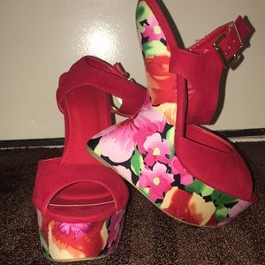 Madison by shoe dazzle red floral wedges